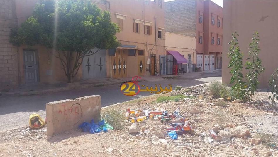 قارورات و اكياس ممتلئة بالفضلات  تقض مضجع ساكنة الحي المحمدي بتيزنيت