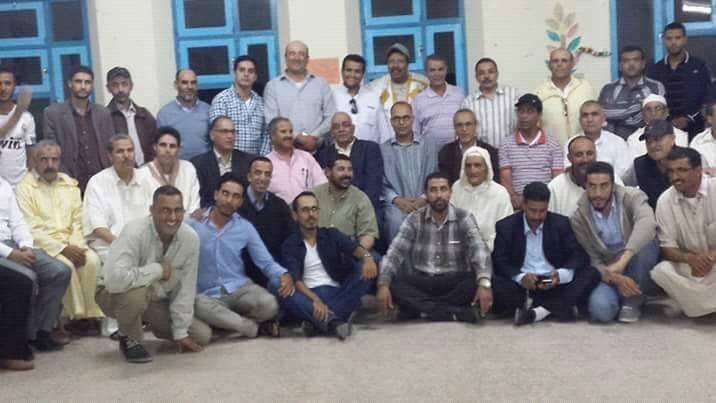 ثانوية بمير اللفت سيدي إفني في حفل مؤثرتكرم مديرها وملحقا تربويا لإحالتهما على التقاعد بحضور المدير الإقليمي