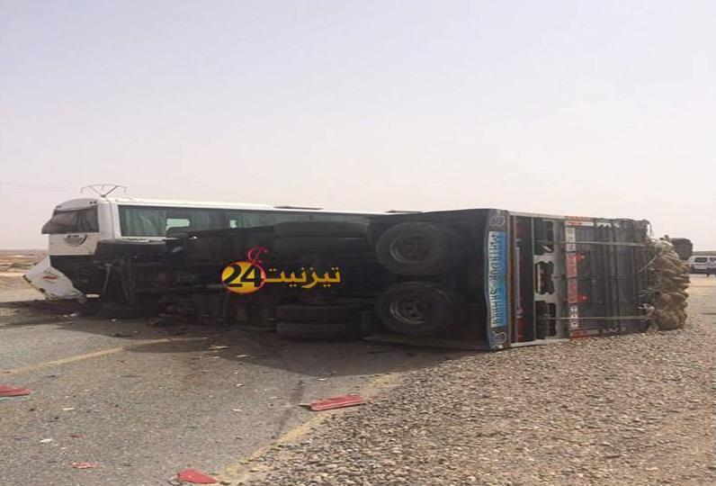 جرح 4 اشخاص في حادثة سير خطيرة بين تيزنيت و اكادير