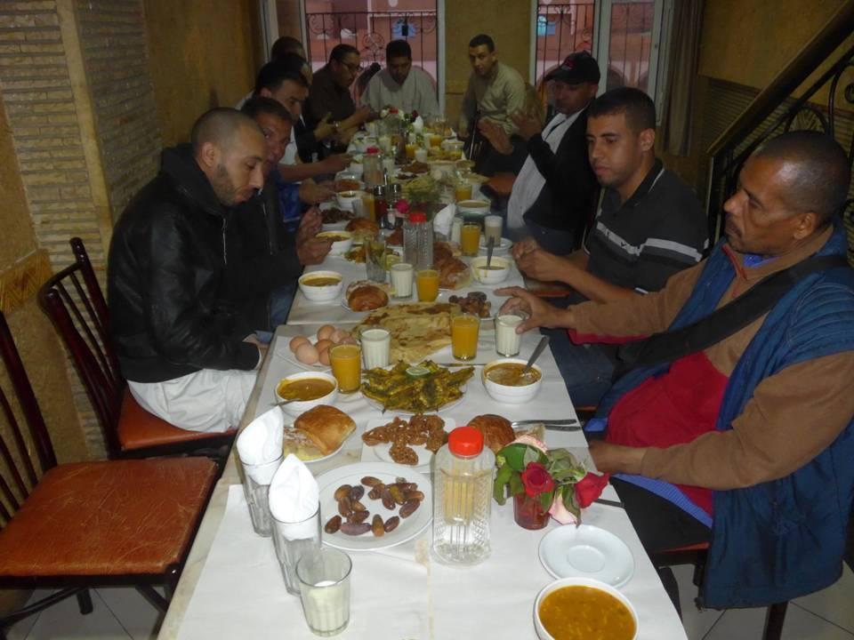 صحفيون و مراسلون بتيزنيت يلتئمون في افطار جماعي