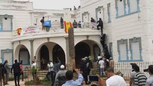 اعتقال شبان اقتحموا السفارة الاسبانية القديمة بسيدي افني