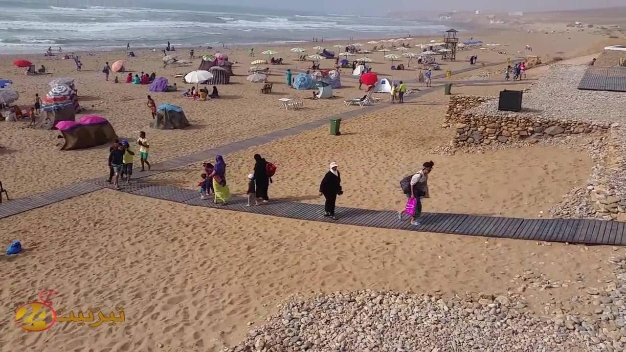 بالفيديو : لحظات في شاطئ اكلو