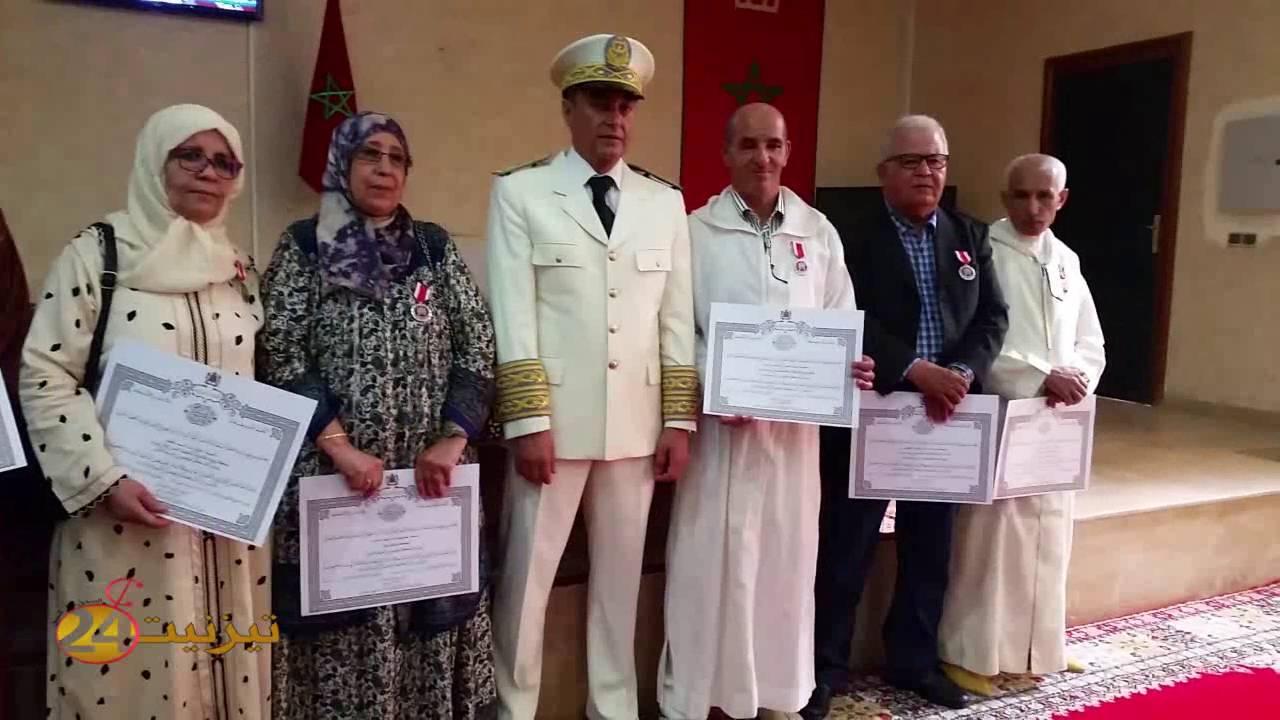 بالفيديو: توشيح صدور اطر و موظفين بتيزنيت باوسمة ملكية سامية بمناسبة عيد العرش المجيد