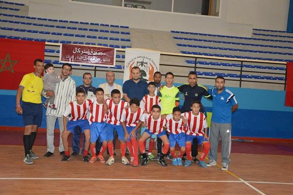 فريق وداد تيزنيت يتوج بلقب دوري امدوكال الرمضاني لكرة القدم المصغرة بتيزنيت