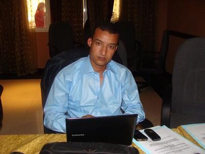 قاضي بمحكمة تيزنيت يحجز لوحة الكترونية و هاتف الزميل محمد بوطعام