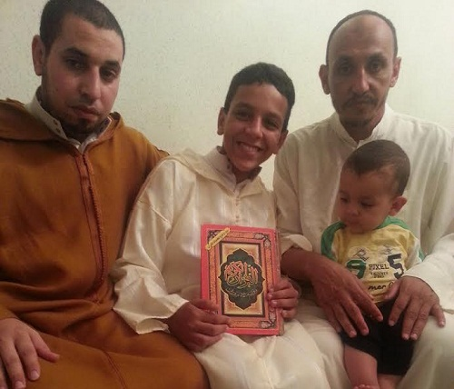 الطفل أحمد الجمري يحيي عادة سلطان الطلبة بقلب اشتوكة