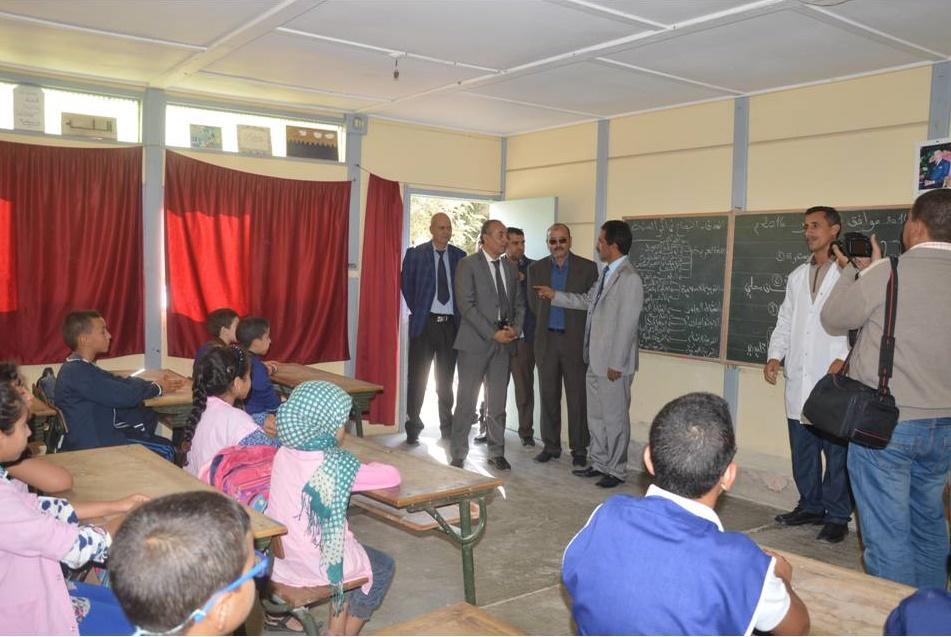 صور زيارة عامل اقليم تيزنيت لمجموعة مدارس محمد السادس بادرق جماعة اكلو