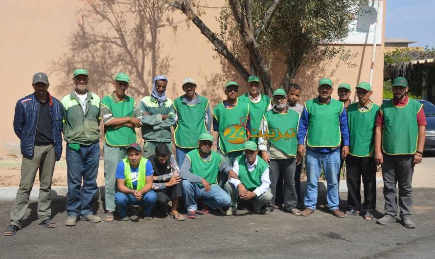 عمال الانعاش بعمالة اقليم تيزنيت يتبرؤون + فيديو
